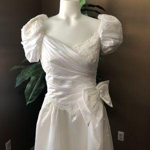 Dresses & Skirts - 80s Wedding dress size 7  Vintage